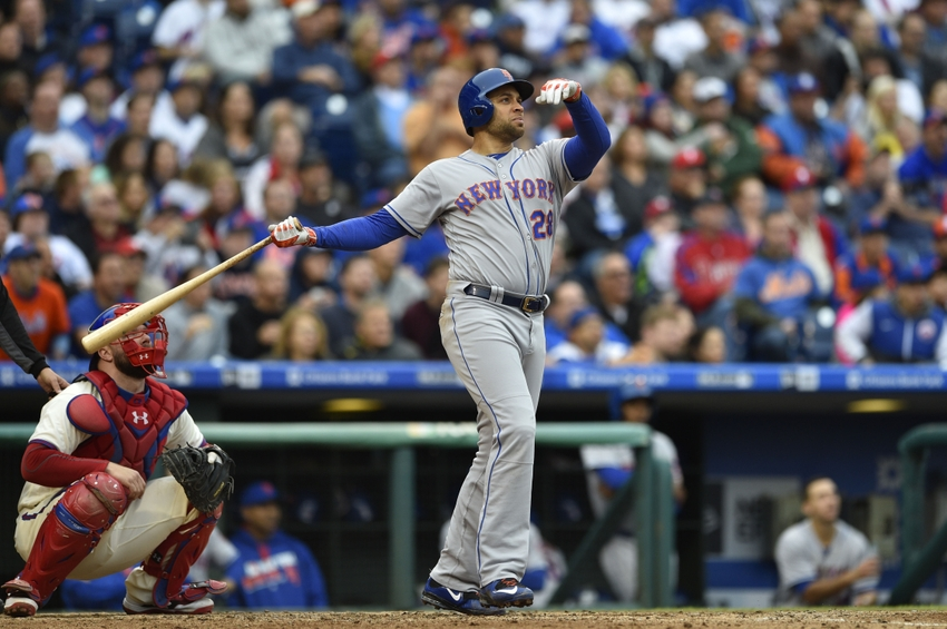 First baseman James Loney signs minor league deal with Texas Rangers
