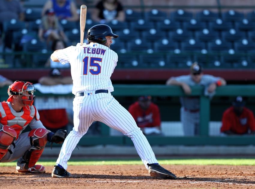 9715574-tim-tebow-minor-league-baseball-arizona-fall-league-glendale-desert-dogs-scottsdale-scorpions