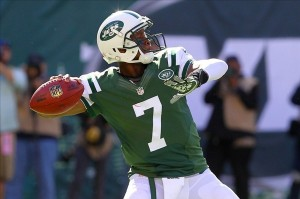 Oct 20, 2013; East Rutherford, NJ, USA; New York Jets quarterback Geno Smith (7) throws a pass during the first half of their game against the New England Patriots at MetLife Stadium. Mandatory Credit: Ed Mulholland-USA TODAY Sports