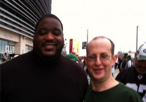 Damien Woody took time out from his MetLife appearance to spend a few minutes with the Jet Press.