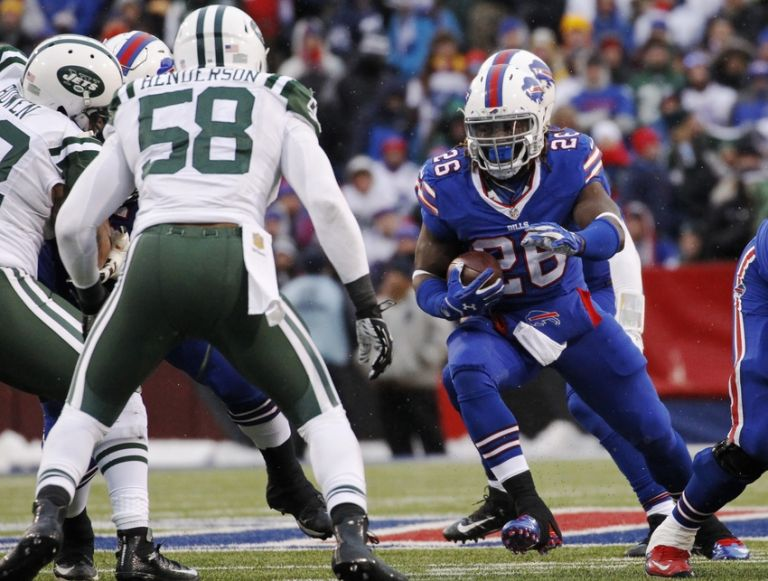 Erin-henderson-anthony-dixon-nfl-new-york-jets-buffalo-bills-1-768x0