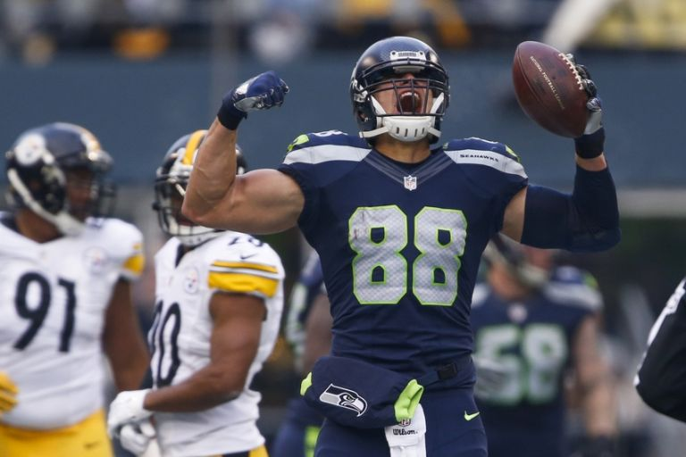 Jimmy-graham-nfl-pittsburgh-steelers-seattle-seahawks-1-768x0