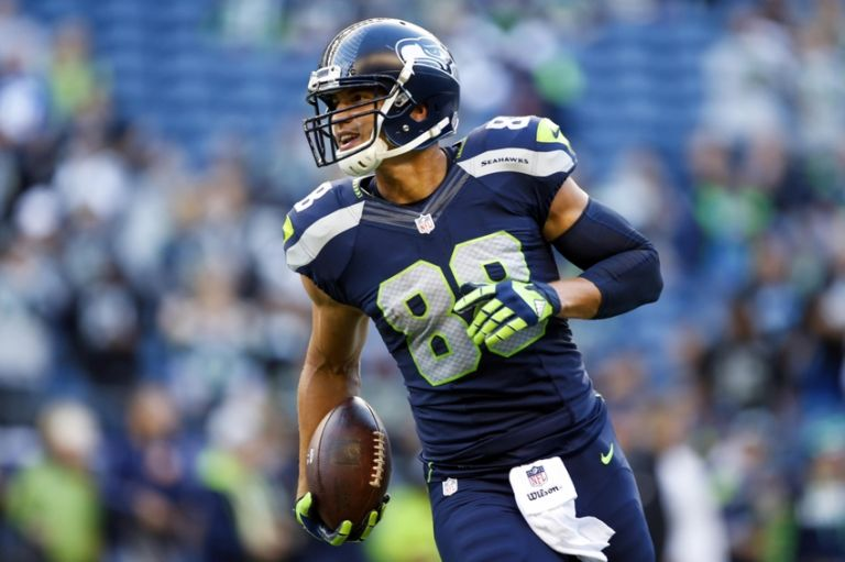 Jimmy-graham-nfl-preseason-oakland-raiders-seattle-seahawks-3-768x0