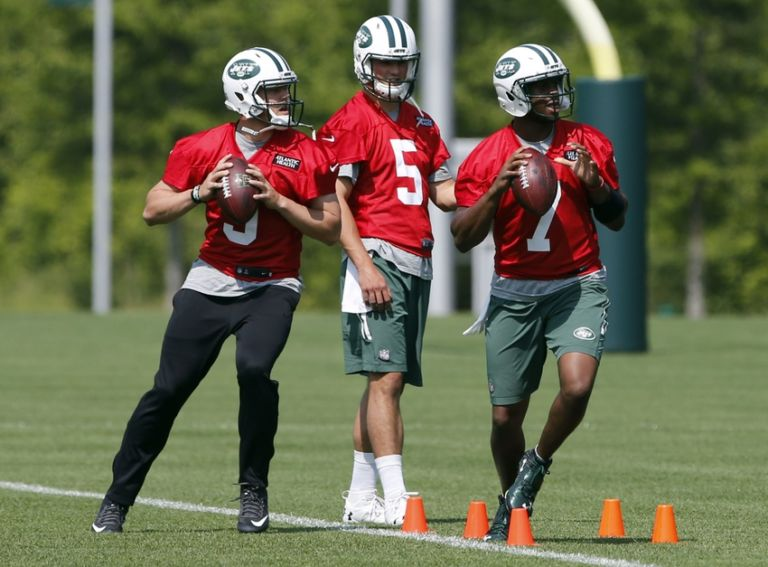 Geno-smith-christian-hackenberg-bryce-petty-nfl-new-york-jets-ota-768x567