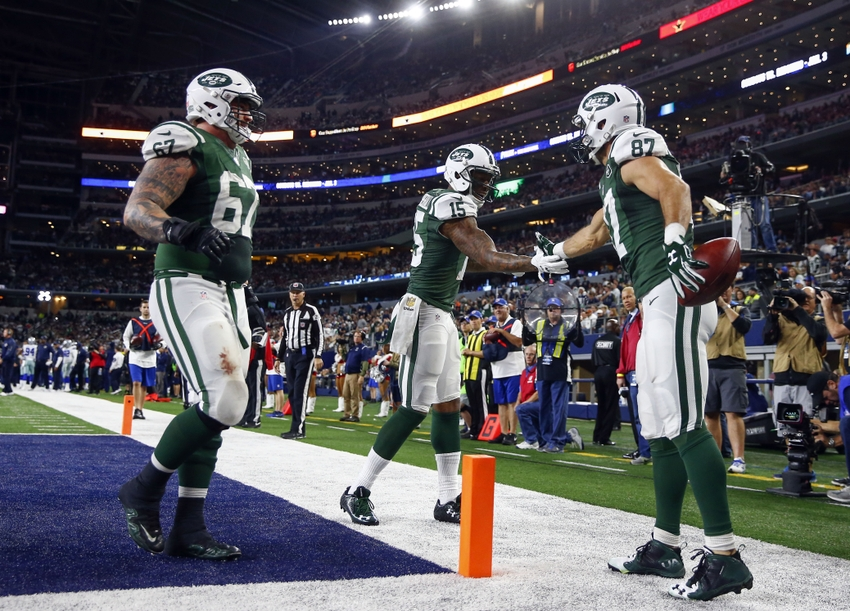 9006454-eric-decker-brian-winters-brandon-marshall-nfl-new-york-jets-dallas-cowboys