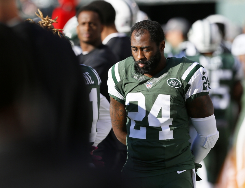 9628155-darrelle-revis-nfl-baltimore-ravens-new-york-jets