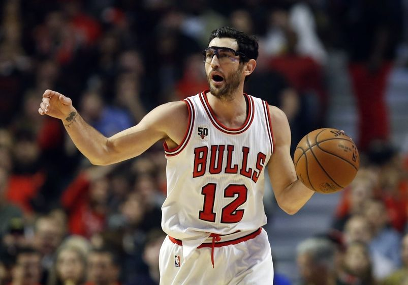 Bulls trade Kirk Hinrich to Hawks