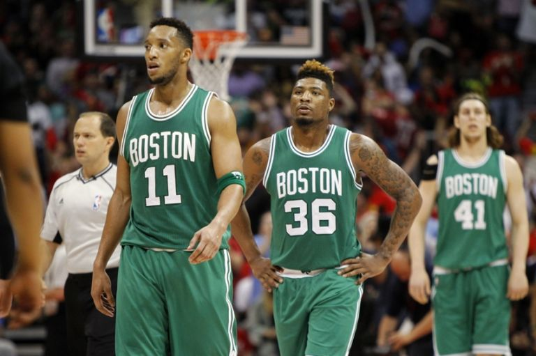 Evan-turner-marcus-smart-kelly-olynyk-nba-playoffs-boston-celtics-atlanta-hawks-768x511