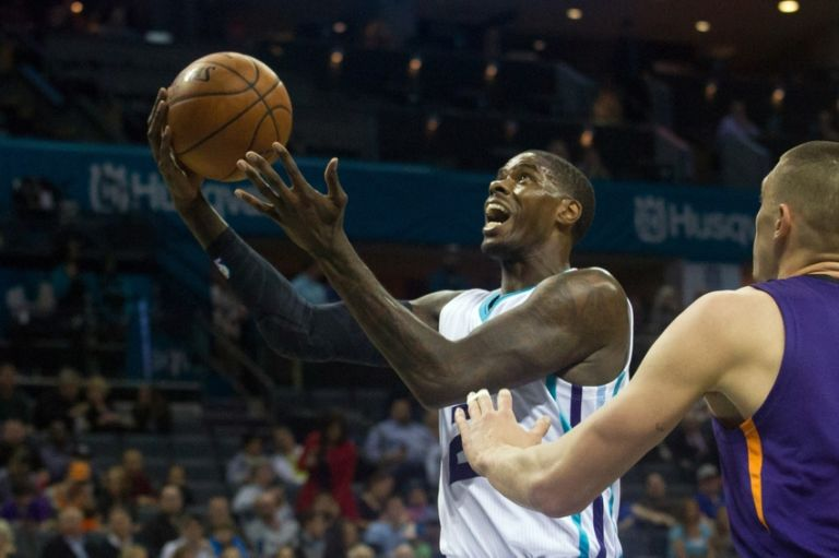 Alex-len-marvin-williams-nba-phoenix-suns-charlotte-hornets-768x511
