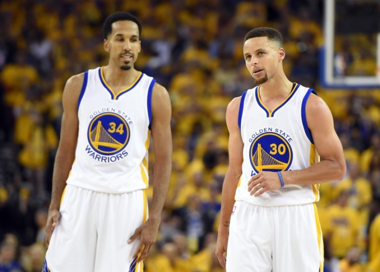 Shaun-livingston-stephen-curry-nba-finals-cleveland-cavaliers-golden-state-warriors-768x551