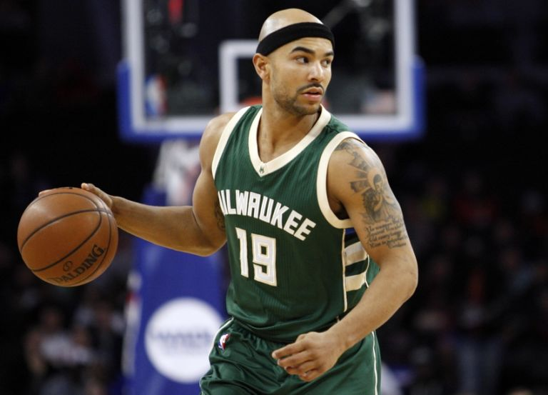 Jerryd-bayless-nba-milwaukee-bucks-detroit-pistons-768x553