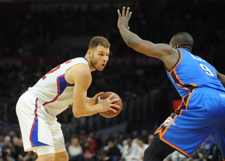 9011530-serge-ibaka-blake-griffin-nba-oklahoma-city-thunder-los-angeles-clippers-768x550