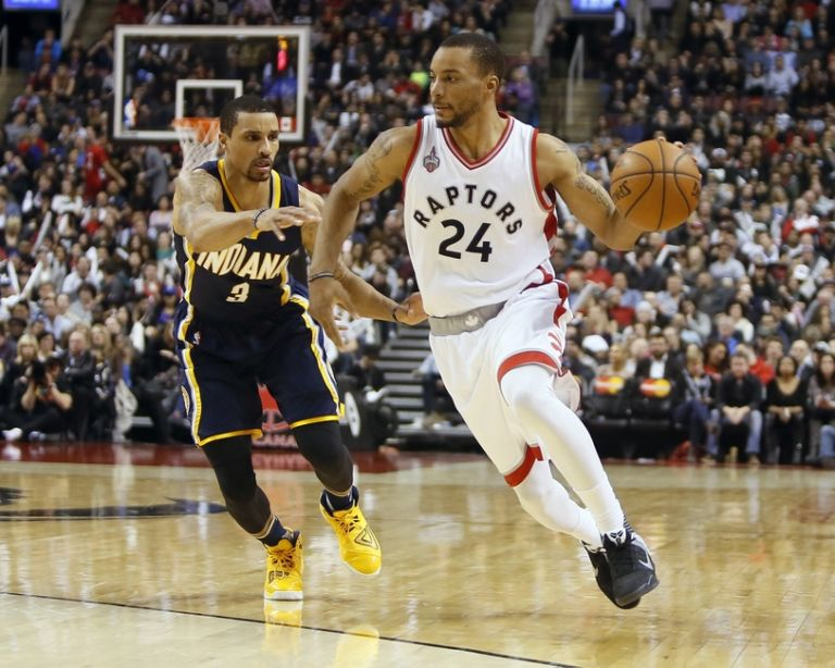 9237968-george-hill-norman-powell-nba-indiana-pacers-toronto-raptors-768x614