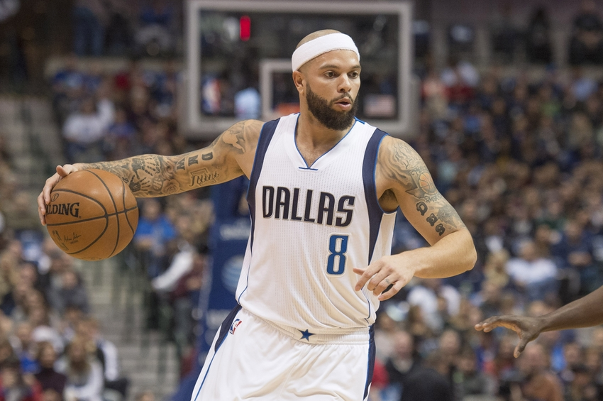 9038389-deron-williams-nba-sacramento-kings-dallas-mavericks