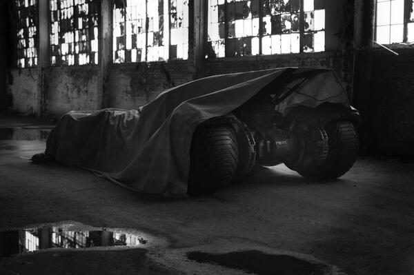 Batman_Vs_Superman_Batmobile