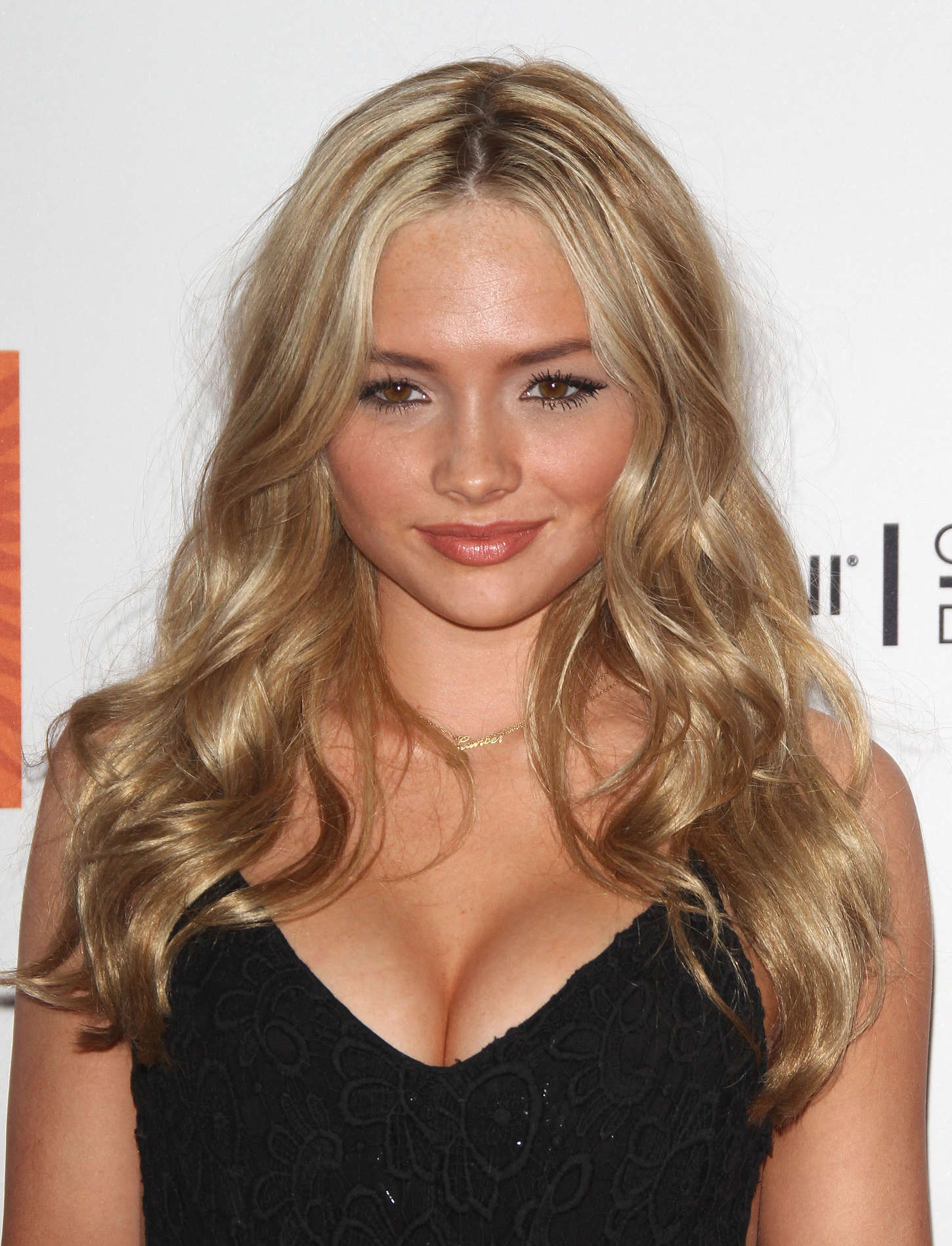 Natalie Alyn Lind 719411 W on wizards waverly place 07