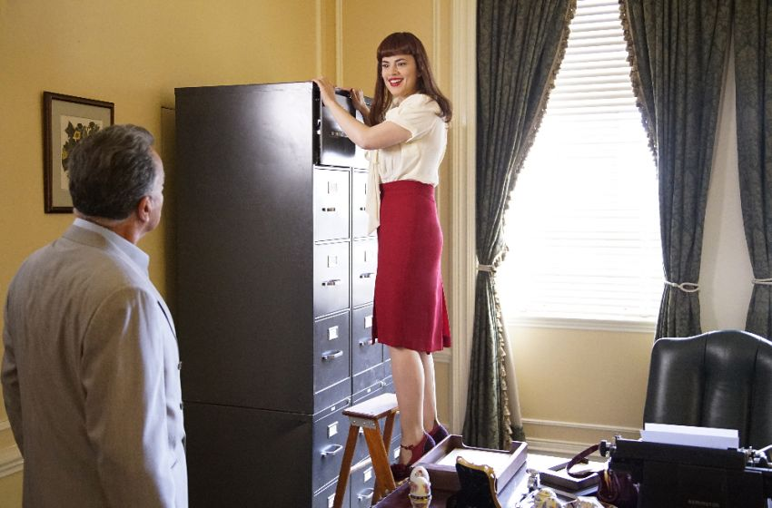 "Agent Carter Episode 5 Season 2 Review: ""The Atomic Job"""