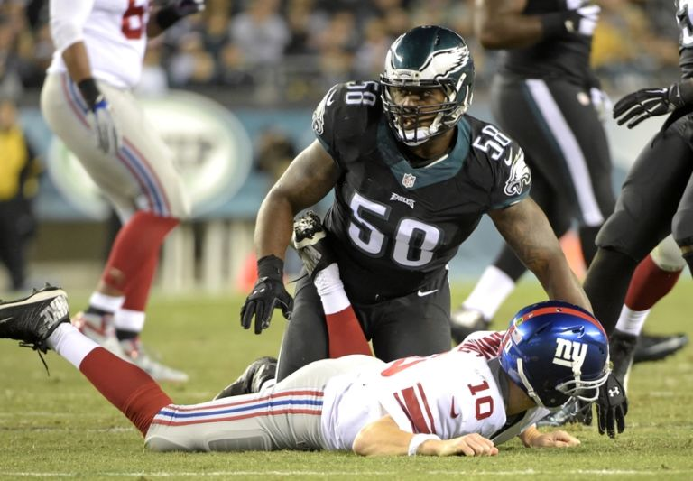 Eli-manning-trent-cole-nfl-new-york-giants-philadelphia-eagles-768x533