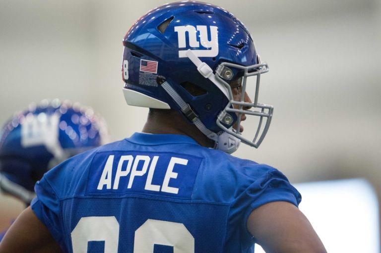 Eli-apple-nfl-new-york-giants-rookie-minicamp-768x511