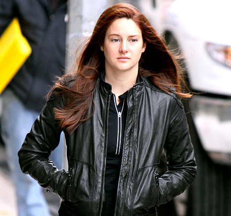 1361890241_shailene-woodley-red-hair-467