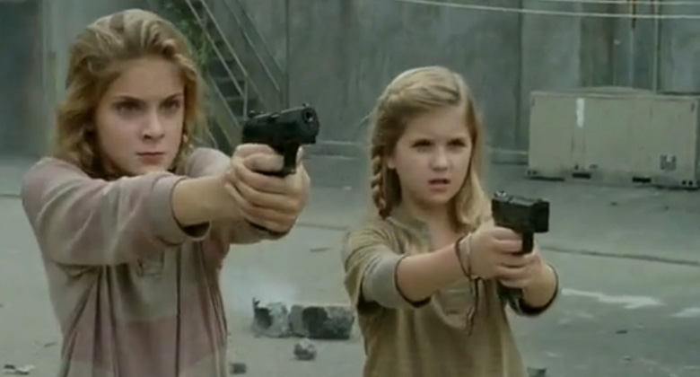 The-Walking-Dead-Lizzie-and-Mika[1]