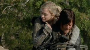 Beth_and_Daryl_piggybackride_oh_so_really_cute[1]