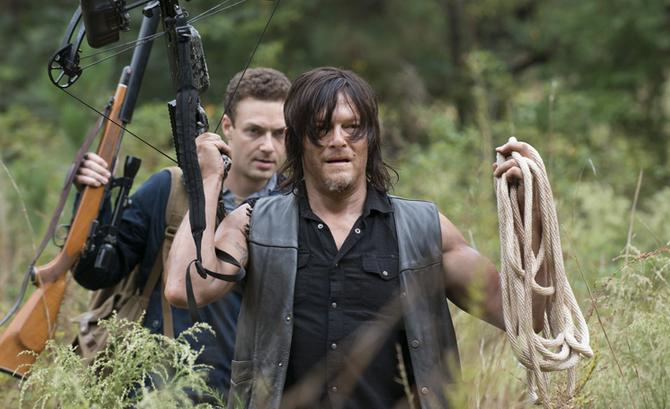 walking dead daryl and aaron relationship