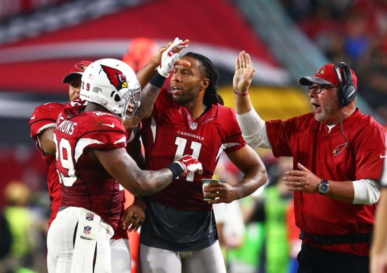9468412-larry-fitzgerald-chris-clemons-bruce-arians-nfl-preseason-oakland-raiders-arizona-cardinals-768x542