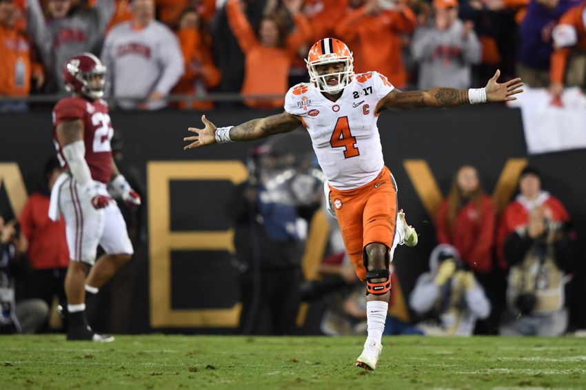9801038-deshaun-watson-ncaa-football-cfp-national-championship-clemson-vs-alabama