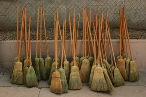 http://cdn.fansided.com/wp-content/blogs.dir/33/files/2009/05/brooms2bjpeg2bsmall1-300x200.jpg