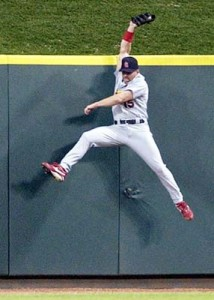 Jim Edmonds made spectacular catches like this throughout his time in St. Louis, winning 6 straight Gold Gloves. Could we see him back climbing walls for the Cards?
