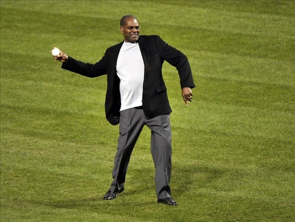 Oct 27, 2013; St. Louis, MO, USA; St. Louis Cardinals former player Bob Gibson throws out the ceremonial first pitch prior to game four of the MLB baseball World Series against the Boston Red Sox at Busch Stadium. Image Credit: Rob Grabowski-USA TODAY Sports