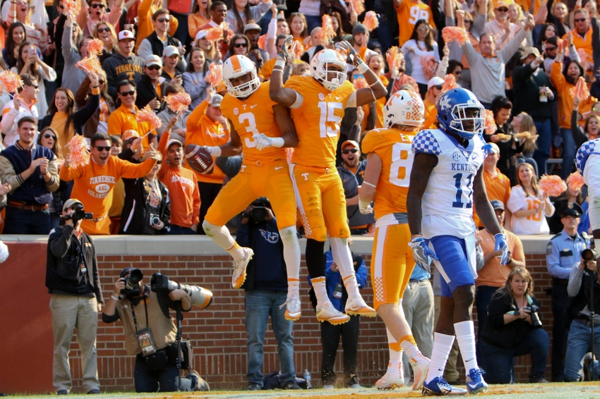 9671148-ncaa-football-kentucky-tennessee