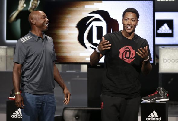 Las Vegas, Nevada (July 27, 2014) – Derrick Rose of the Chicago Bulls and former NBA player and broadcaster Greg Anthony discuss the new adidas D Rose 5 Boost at the adidas Basketball Boost launch event at the MGM Grand Garden Arena.
