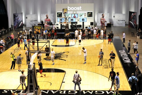 Las Vegas, Nevada (July 27, 2014) – Media take the court to test out the new D Rose 5 Boost and Crazy Light Boost at a launch event at the MGM Grand Garden Arena.