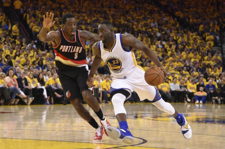 Al-farouq-aminu-draymond-green-nba-playoffs-portland-trail-blazers-golden-state-warriors-768x511