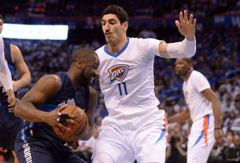 Raymond-felton-enes-kanter-nba-playoffs-dallas-mavericks-oklahoma-city-thunder-768x521