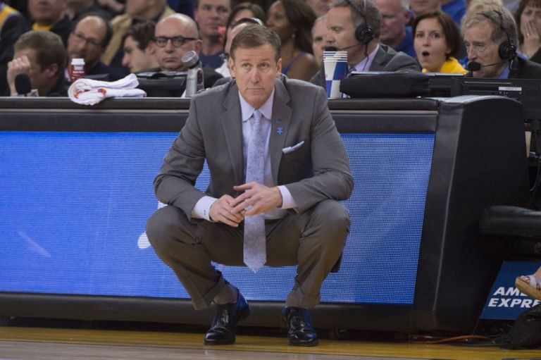 9227522-terry-stotts-nba-portland-trail-blazers-golden-state-warriors-768x511
