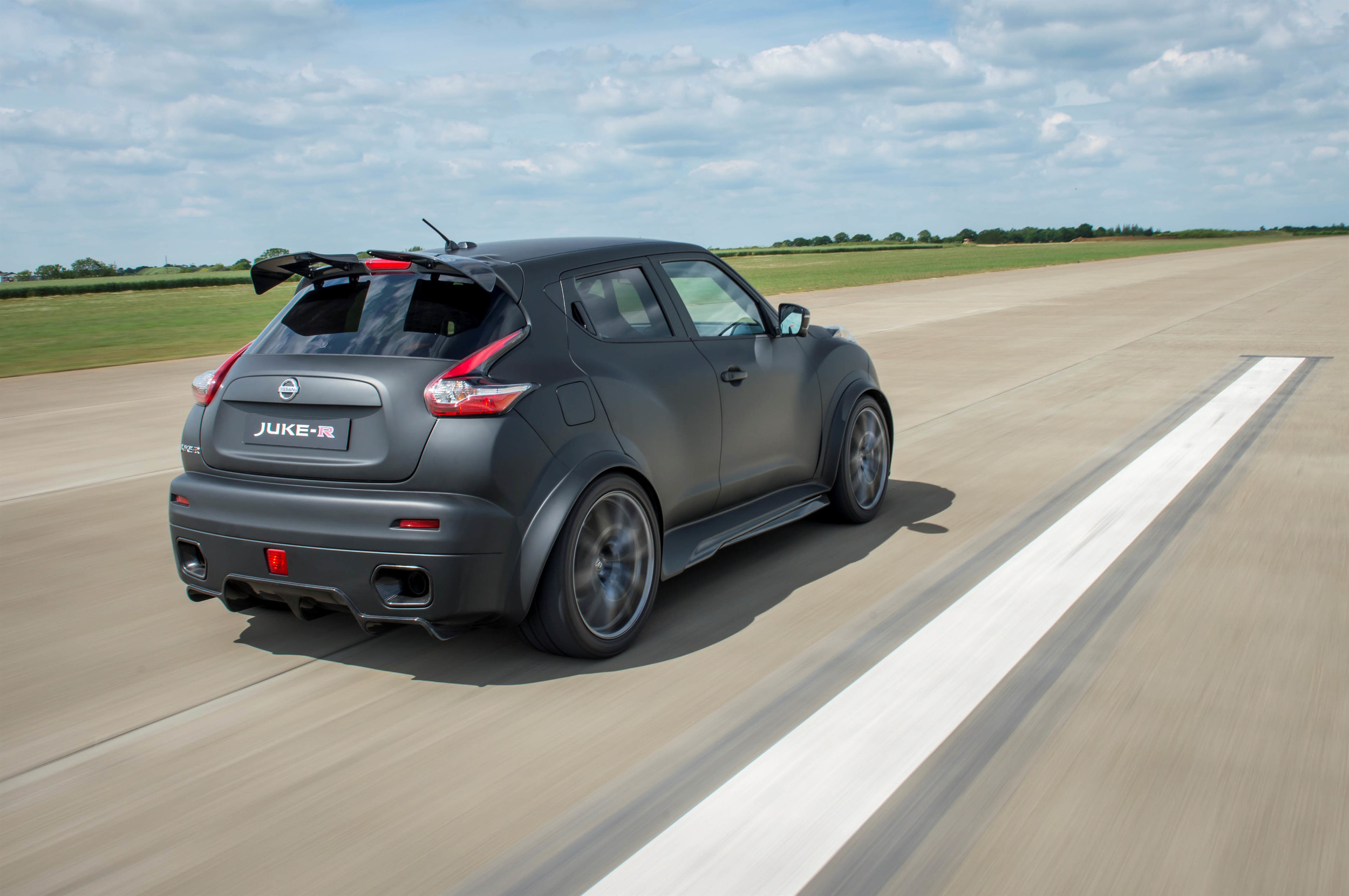 Nissan making 17 nissan jukes with nismo gt r running gear vanachro Images
