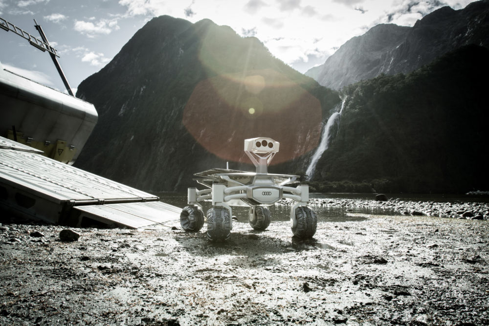 In 'Alien: Covenant,' a return to gut-busting horror