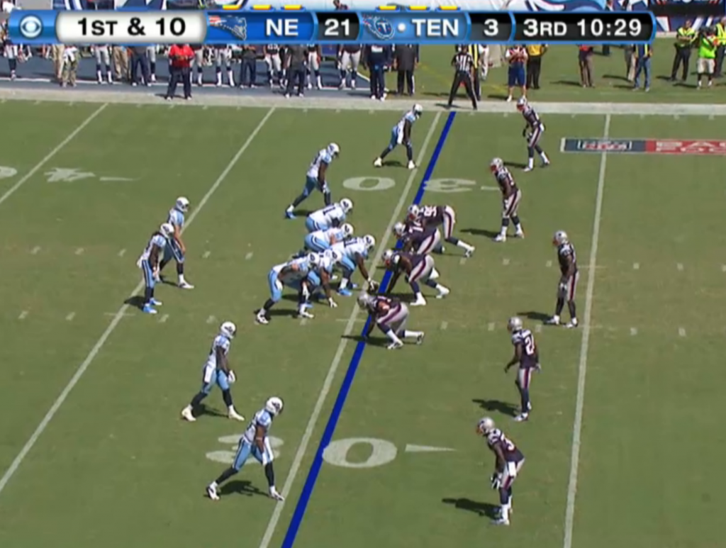Jake Locker in the shotgun formation on 1st and 10.