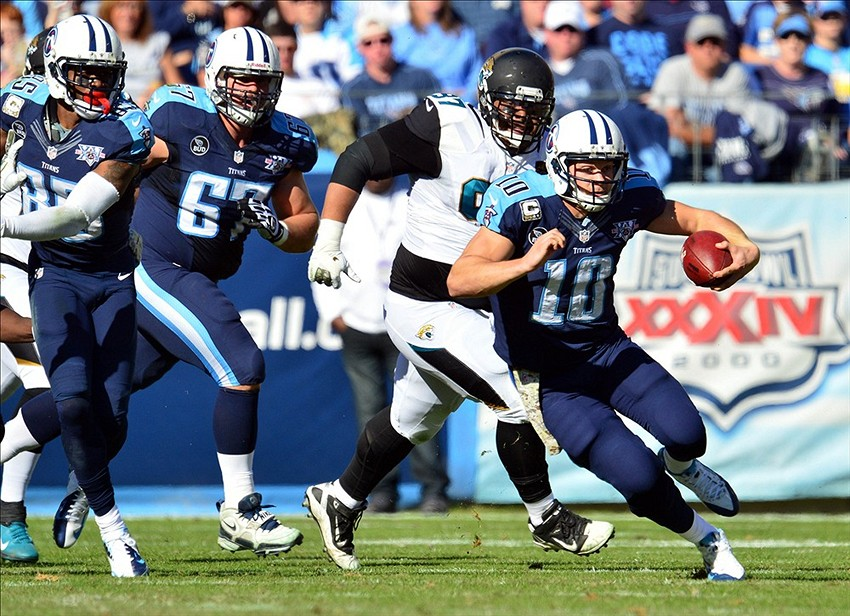 Jake Locker: Tennessee Titans QB May Have Season-Ending Foot Injury