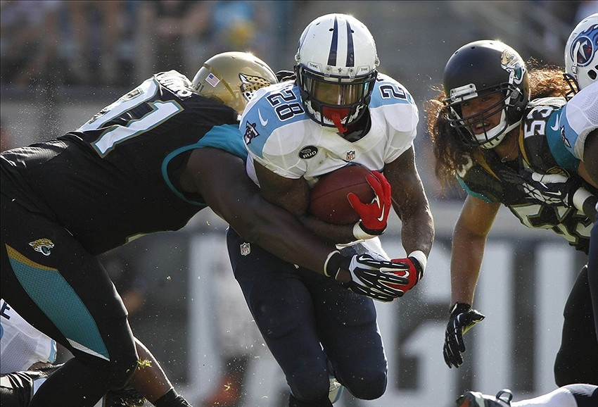 Should Tennessee Titans Keep Chris Johnson in 2014?