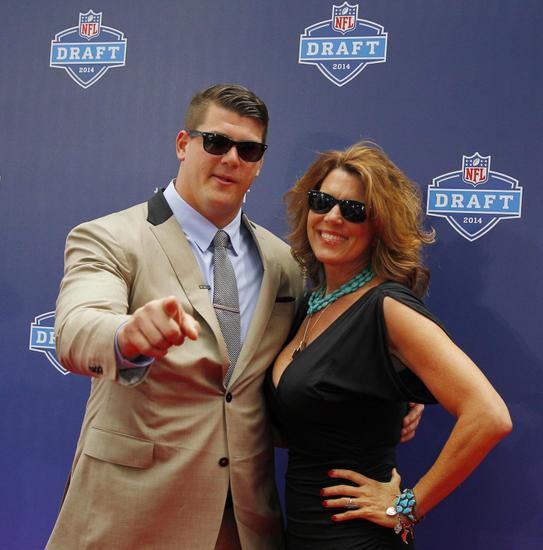 Around the Web: Draft Grades for Taylor Lewan, Tennessee Titans