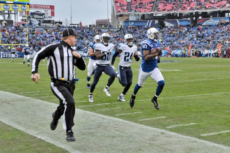 Reggie-wayne-jason-mccourty-coty-sensabaugh-nfl-indianapolis-colts-tennessee-titans-768x510