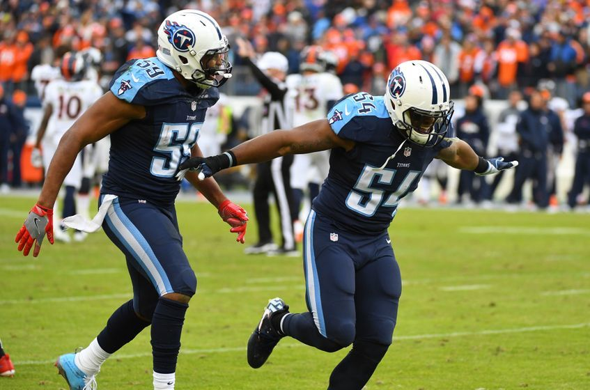 http://cdn.fansided.com/wp-content/blogs.dir/35/files/2016/12/9741438-wesley-woodyard-avery-williamson-nfl-denver-broncos-tennessee-titans-847x560.jpg