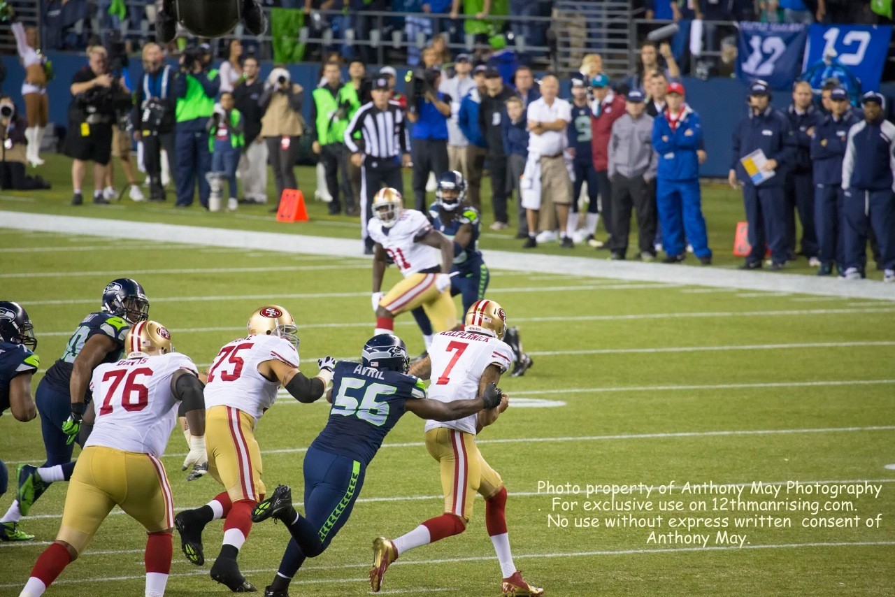 Cliff Avril showing his love for Kaepernick. http://www.facebook.com/anthonymayphotography