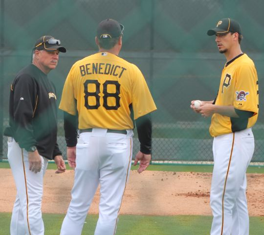 Charlie Morton talks with Benedict and Ray Searage.