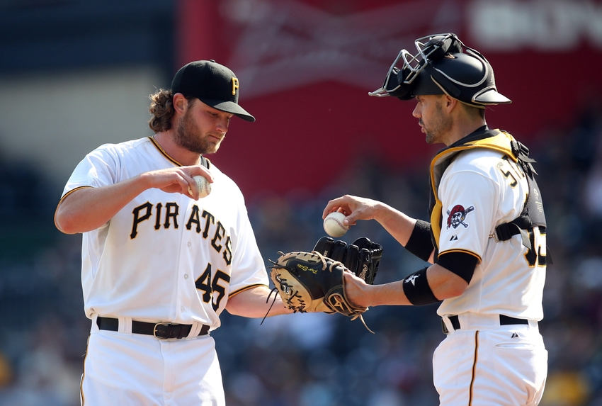 Chris-stewart-gerrit-cole-mlb-game-one-chicago-cubs-pittsburgh-pirates