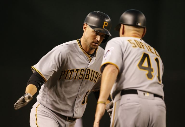 Rick-sofield-jordy-mercer-mlb-pittsburgh-pirates-arizona-diamondbacks-768x527